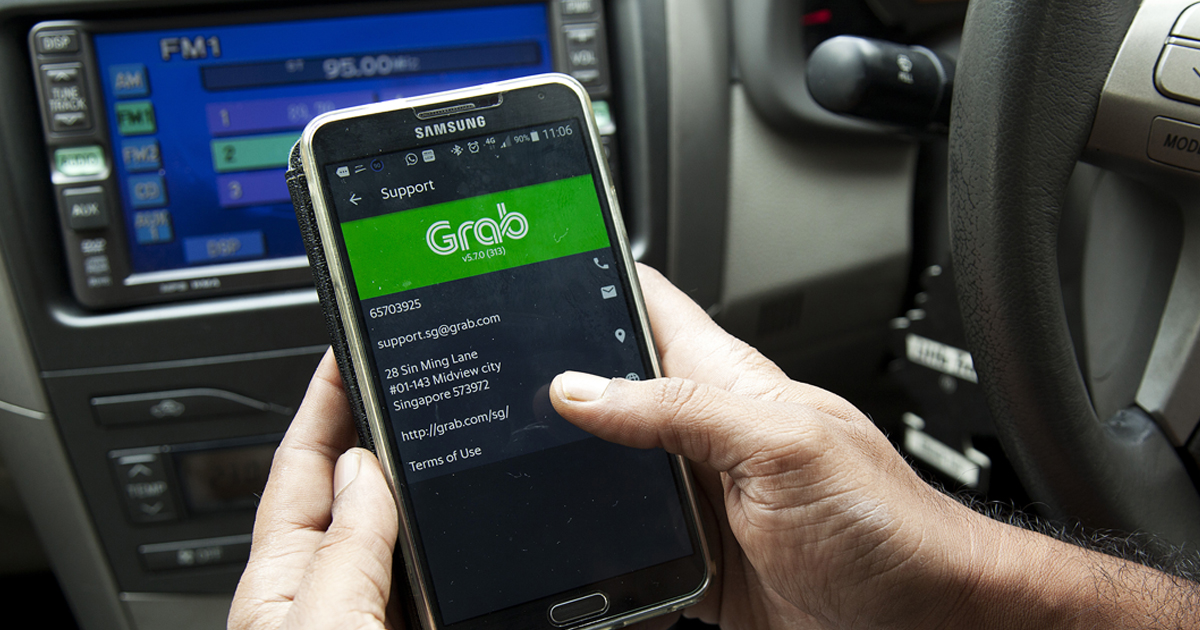 Grab's 'Upfront Cash' Programme That Pays Drivers In Advance Raises Questions From Authorities