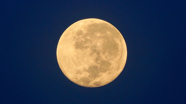 How to Spot Tonight's Halloween Blue Moon & A Few Planets, Too